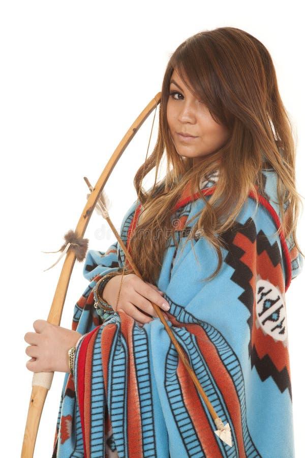 Cierre de la manta del arco de la mujer del nativo americano imagen de archivo libre de regalías