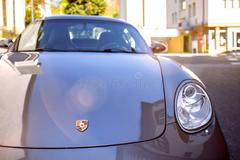 Cierre del coche de Porsche encima del bensheim Alemania imagen de archivo libre de regalías