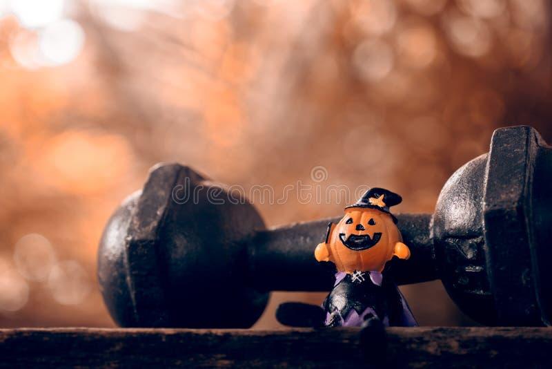 Cierre del festival de Halloween para arriba de la muñeca de las calabazas de la cabeza de Halloween y imagen de archivo libre de regalías