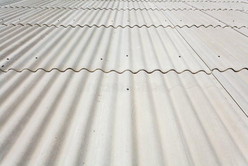 Cierre del tejado de pizarra del amianto para arriba imagenes de archivo