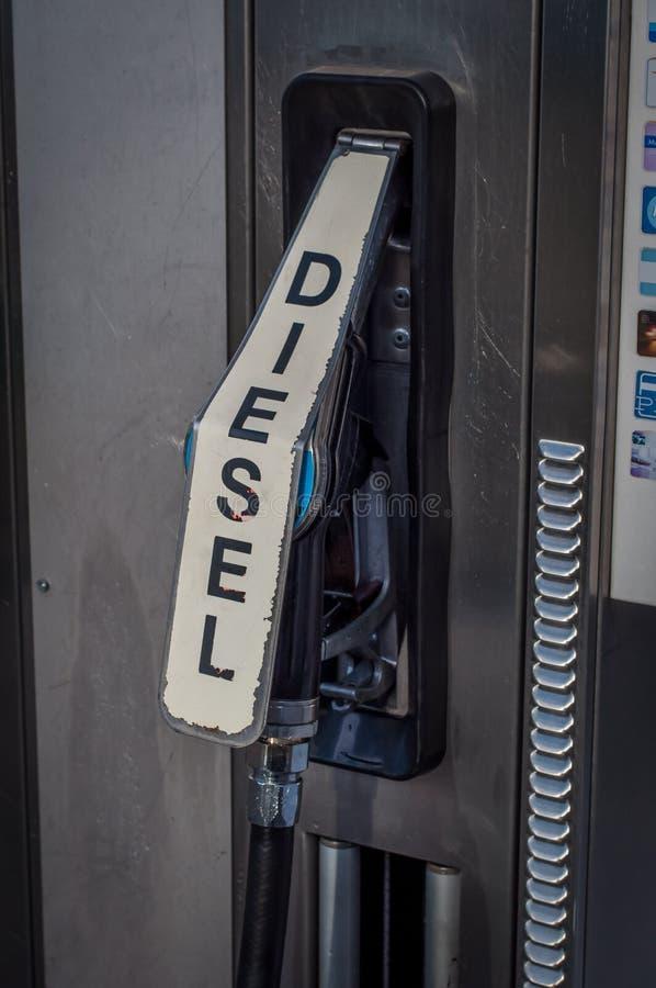 Cierre diesel de la pompa para arriba foto de archivo