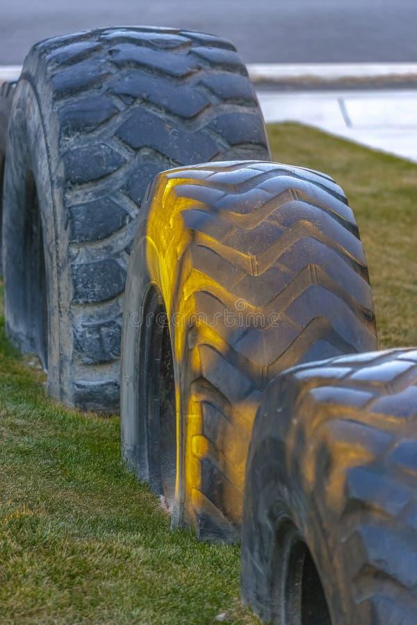 Cierre encima del patio reciclado del neumático en el valle de Utah fotos de archivo libres de regalías