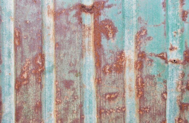 Cierre encima del viejo backgrond verde de la textura de la pátina del cinc imágenes de archivo libres de regalías