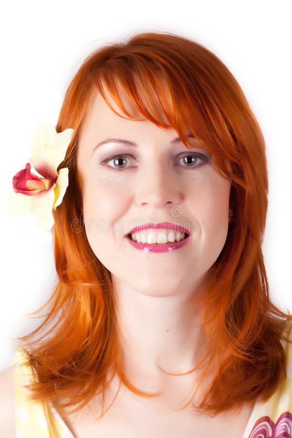 Cierre hermoso de la mujer del redhair encima del retrato del estilo imagen de archivo libre de regalías