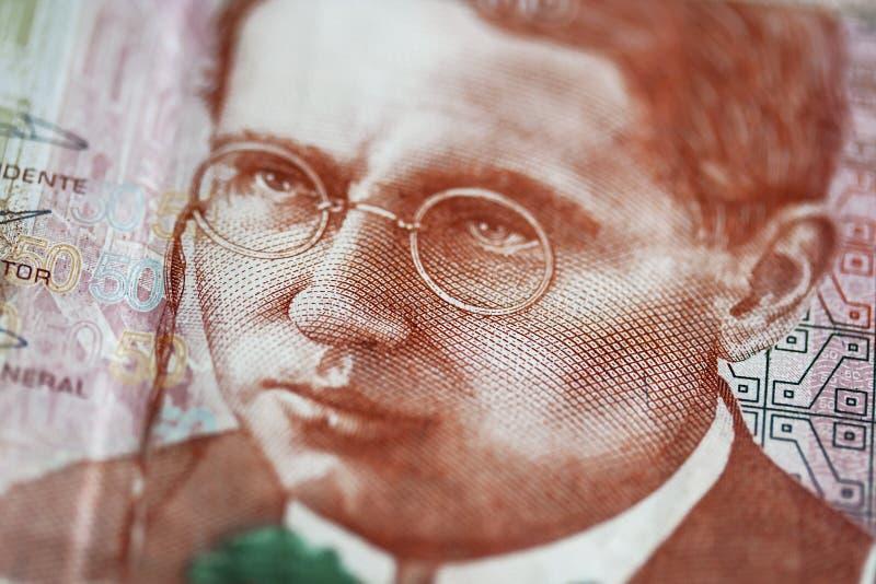 Cierre macro para arriba del cuentas peruanas de cincuenta lenguados imagen de archivo libre de regalías