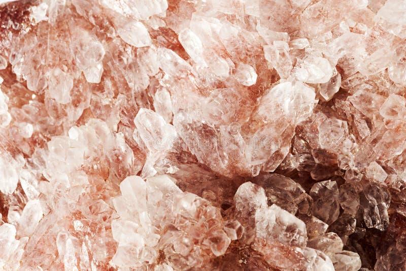 Cierre mineral de la roca de la amatista roja para arriba fotografía de archivo libre de regalías