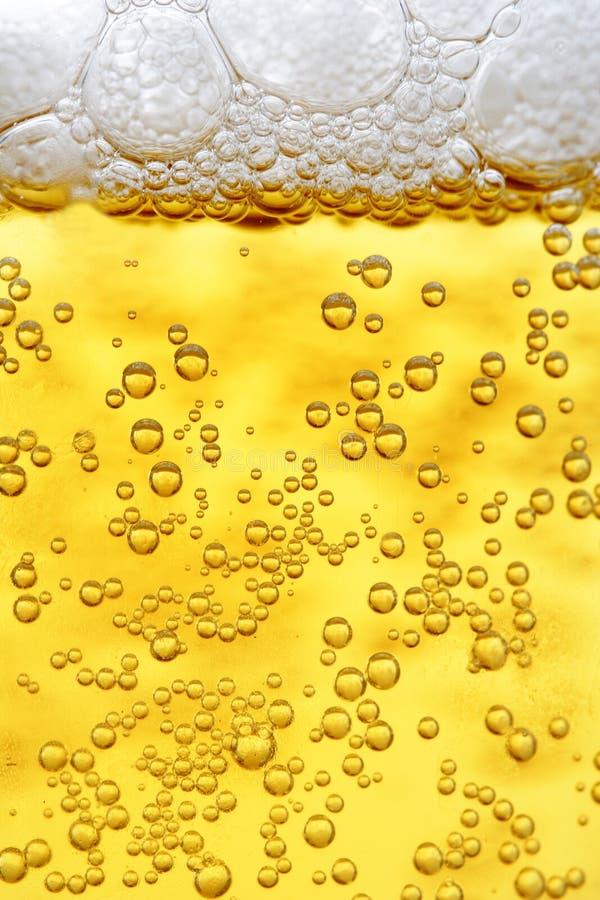 Cierre para arriba de la cerveza fotos de archivo