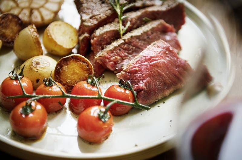Cierre para arriba de un corte una idea de la receta de la fotografía de la comida del filete de prendedero fotos de archivo