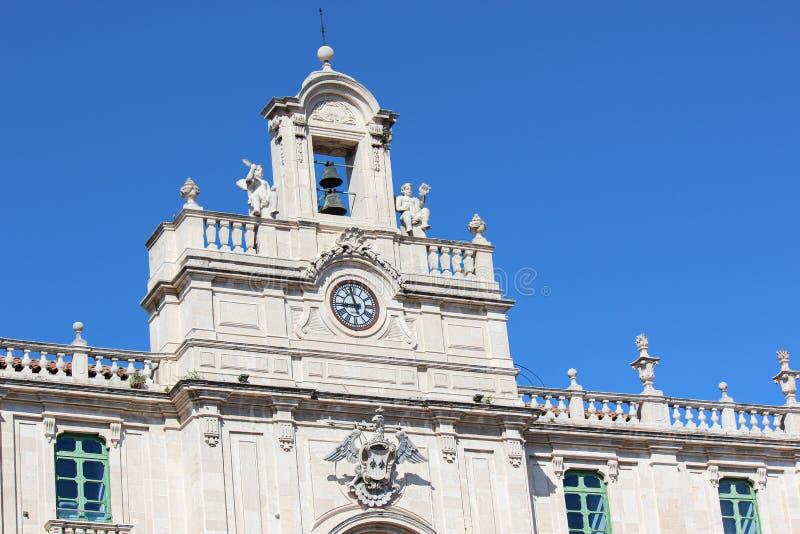 Cierre para arriba la fotograf?a del edificio hist?rico de la universidad en Catania siciliana, Italia Pedazo hermoso de arquitec fotografía de archivo libre de regalías