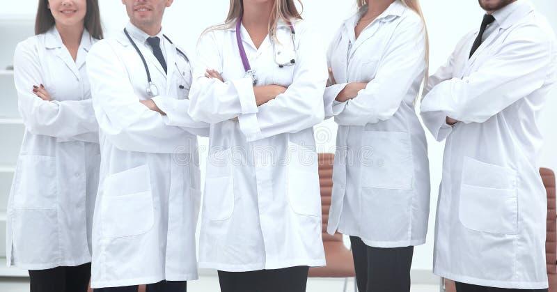 Cierre para arriba personal médico del centro de la salud fotos de archivo