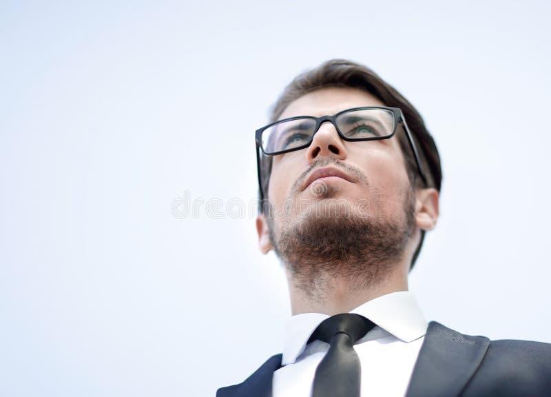 Cierre para arriba Retrato de un hombre de negocios confidente foto de archivo libre de regalías