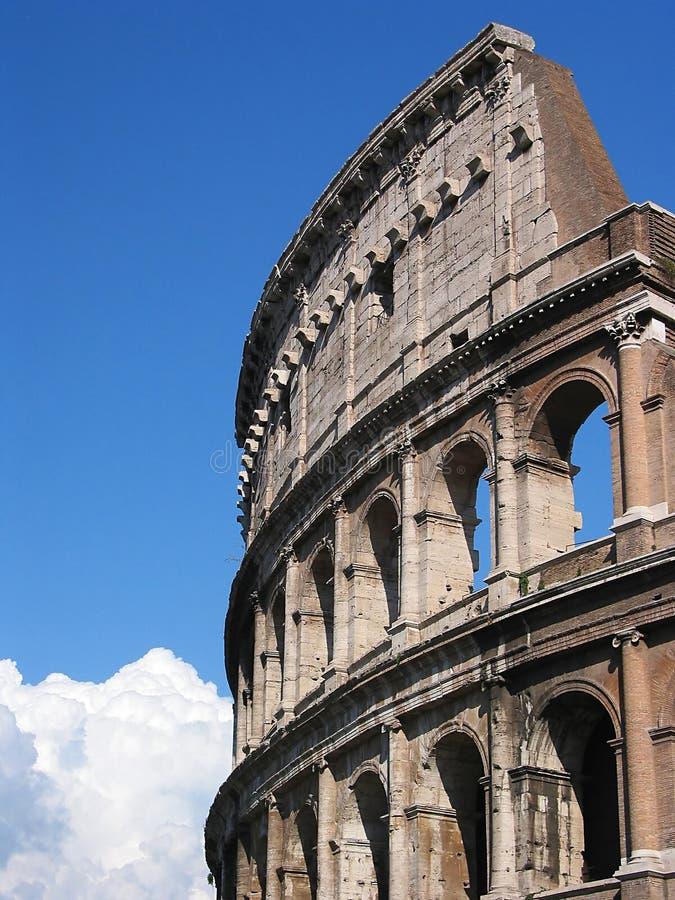 Cierre romano del colosseum para arriba imagen de archivo