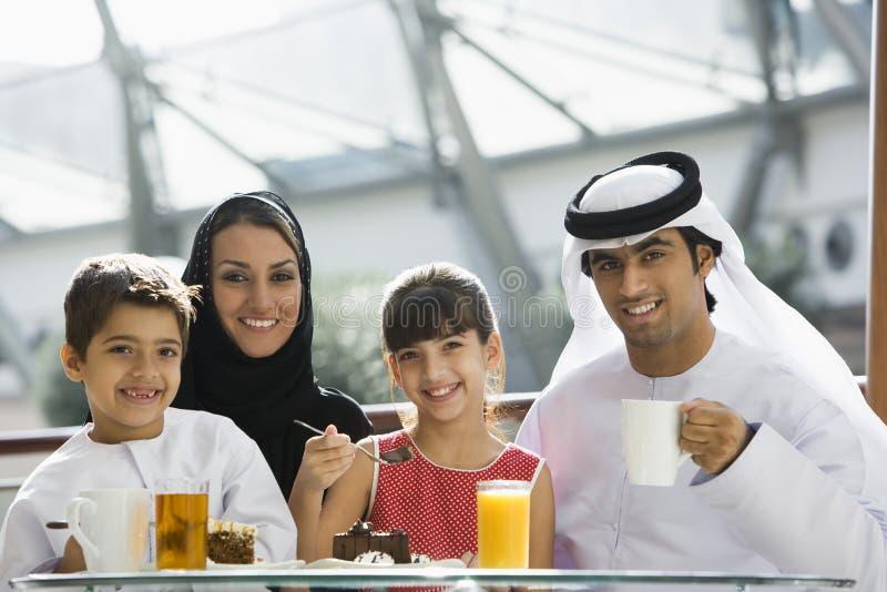 ciesz się wschodnie rodzinny posiłek pożywki zdjęcia royalty free