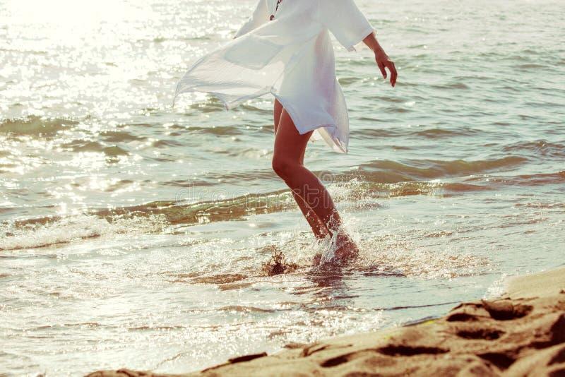 Cieszy się w wodzie morskiej zdjęcia royalty free