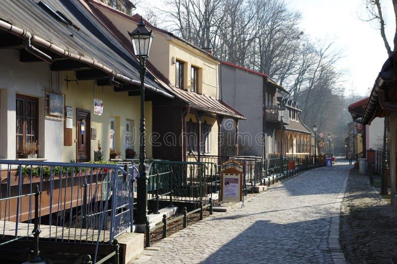 """Cieszyn Polen, Februari 06, 2016 Den Przykopa gatan, det bostads- komplexet kallade """"CieszynVenice† royaltyfri bild"""