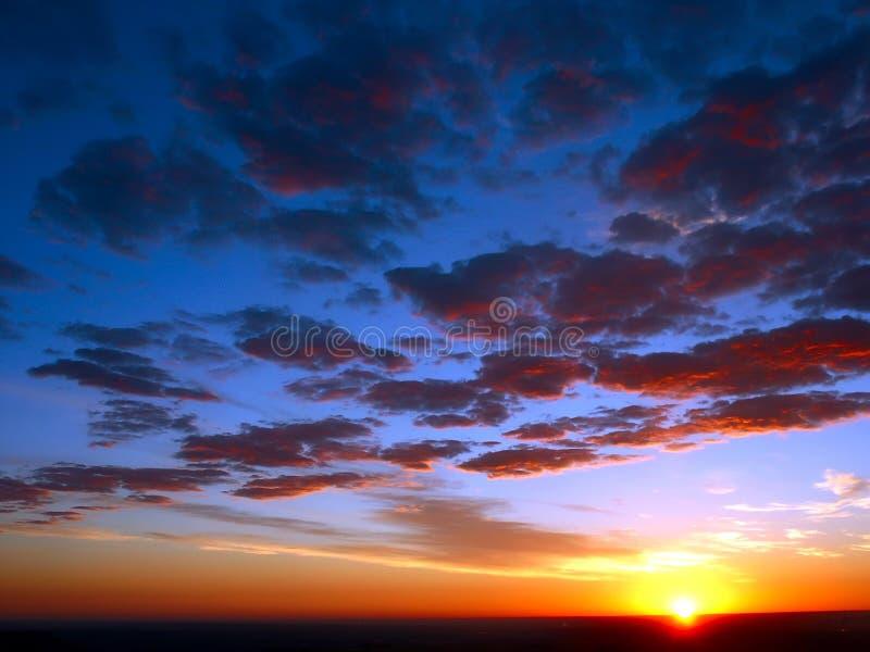 Cieux de lever de soleil images stock