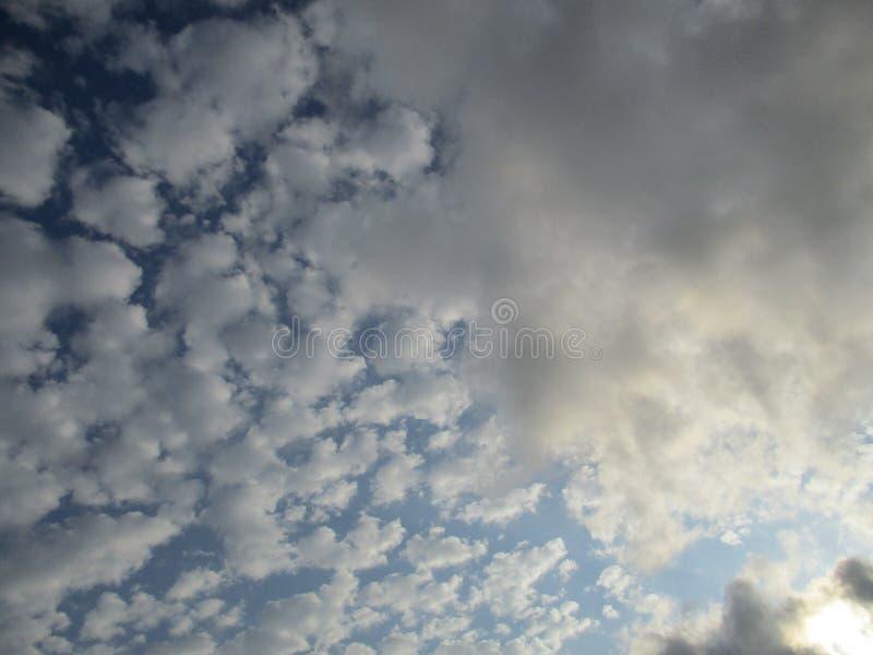 Cieux nuageux 4 photographie stock libre de droits