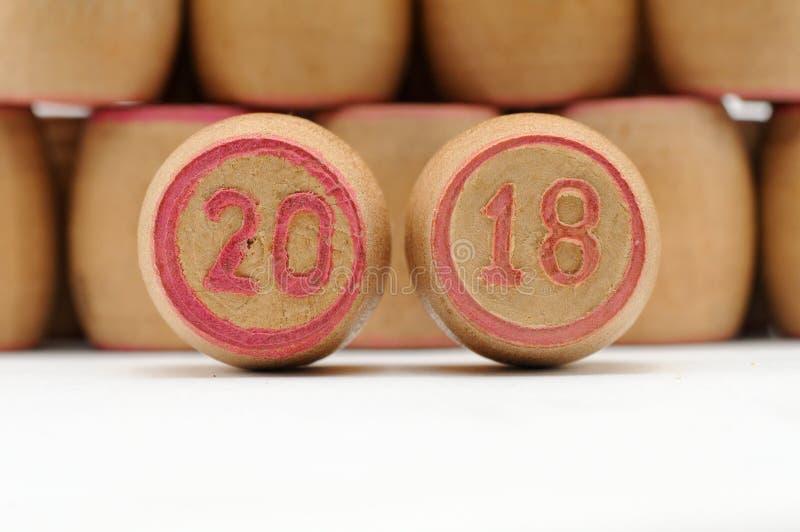 Cifre 2018, nuovo anno e Natale sui barilotti per il lotto Per l'isolante fotografie stock libere da diritti