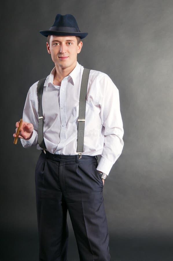 cigare匪徒人年轻人 免版税图库摄影