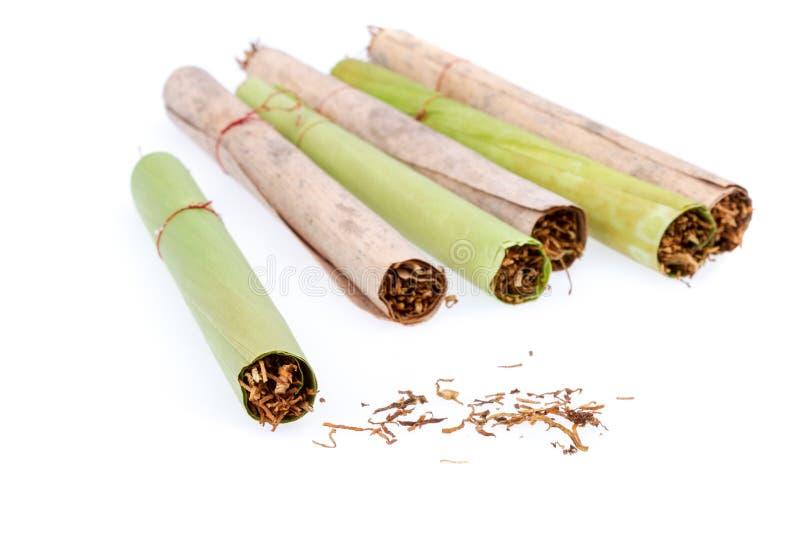 Cigare et tabac - faits main photographie stock libre de droits