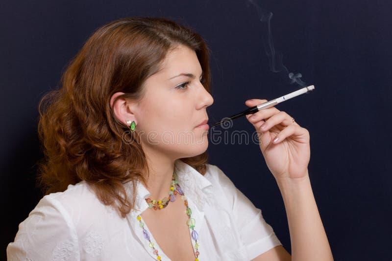Download Cigaret κορίτσι στοκ εικόνες. εικόνα από πρόσωπο, στούντιο - 17050038