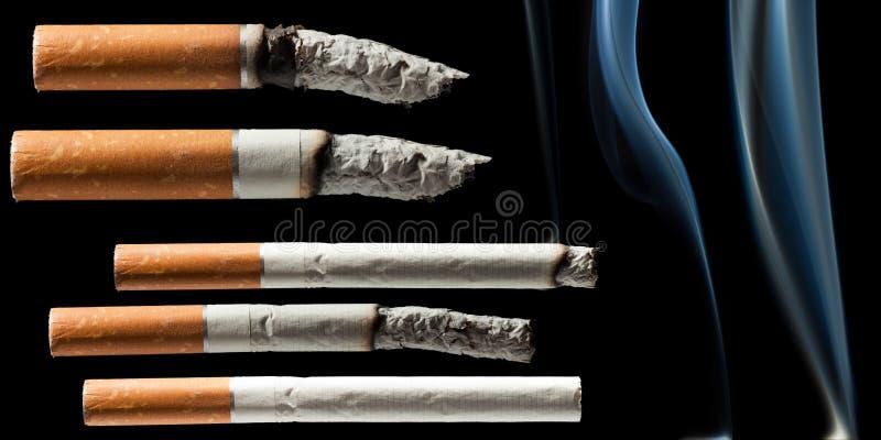 Cigarette de fumage photos libres de droits