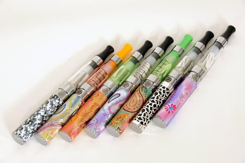 Cigarettes électroniques photographie stock libre de droits
