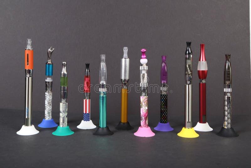 Cigarettes électroniques photo stock