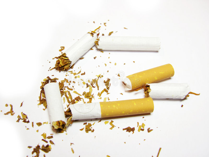 Cigarettes cassées   photo stock