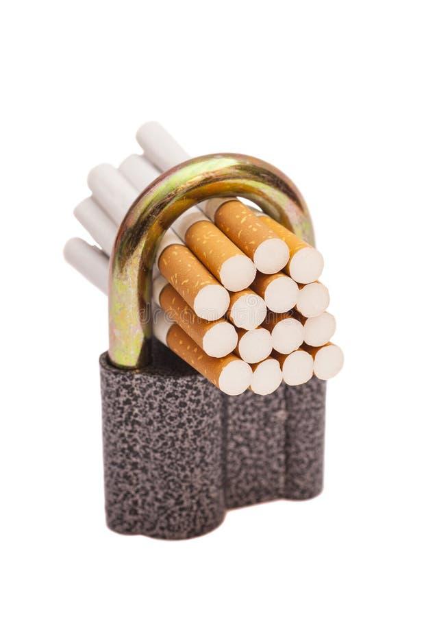Cigarettes verrouillées photos stock