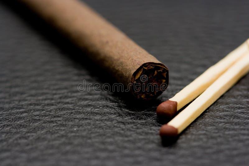 cigarettmatches royaltyfri bild