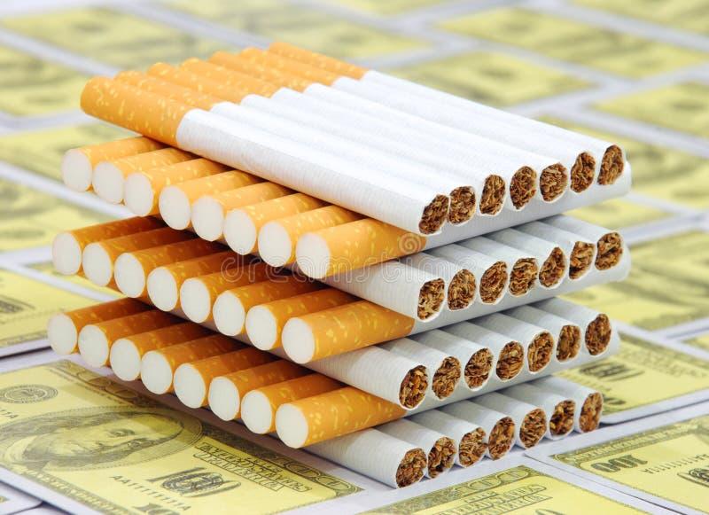 cigarettstapel royaltyfri fotografi