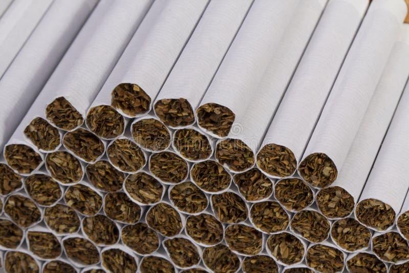 Download Cigarrillo imagen de archivo. Imagen de blanco, pulmones - 41907115