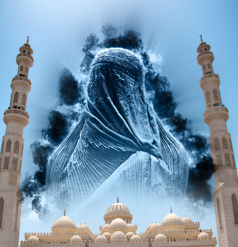 Cijfer in Burqa in Hemel boven Gr Mina Masjid Mosque stock afbeeldingen