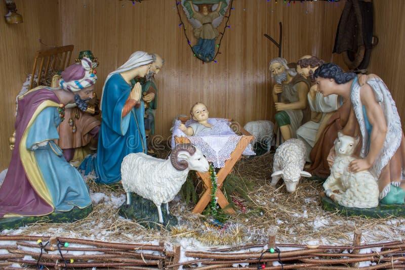 Cijfer van Geboorte van Jesus in landbouwbedrijfloods De scène van de Kerstmisgeboorte van christus met drie Wijzen die giften vo stock afbeelding