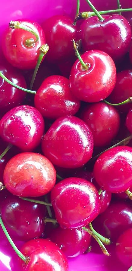 Ciliege rosse e fresche fotografia stock