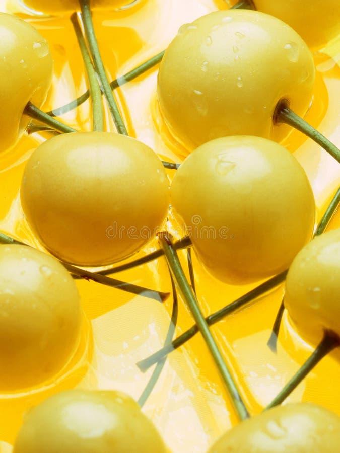 Ciliegia gialla immagini stock