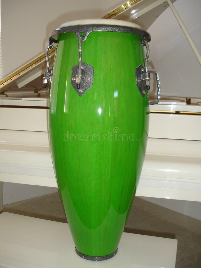 Cilindro verde do Conga fotos de stock
