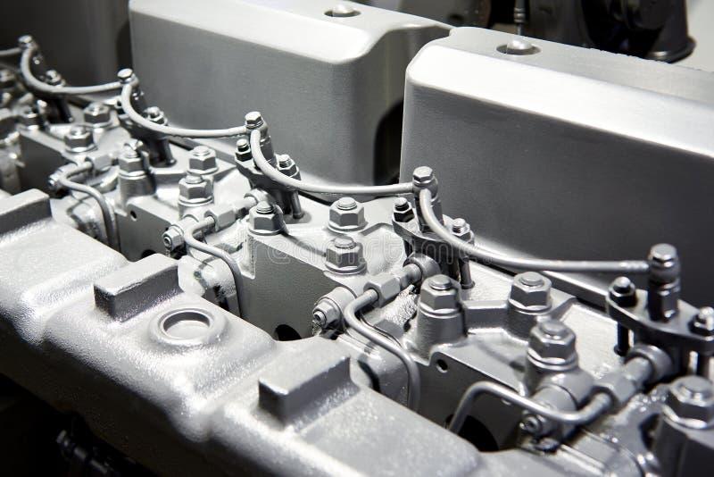 Cilindros del bloque principal del motor diesel fotos de archivo