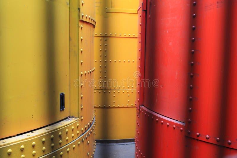 Cilindros hidráulicos na torre Eiffel em Paris, França fotos de stock