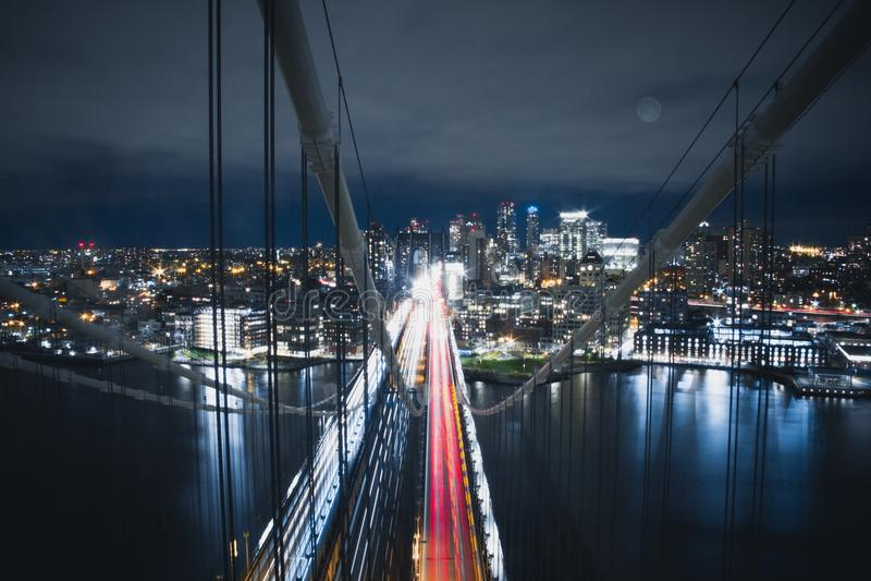 Cima del ponte di Manhattan fotografie stock