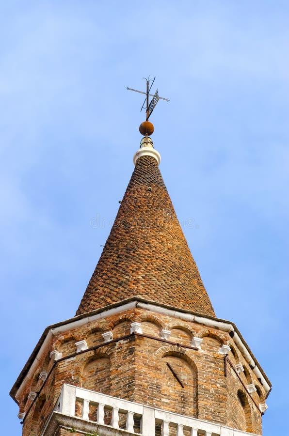 Cima del tetto ad architettura tradizionale di Venezia immagine stock
