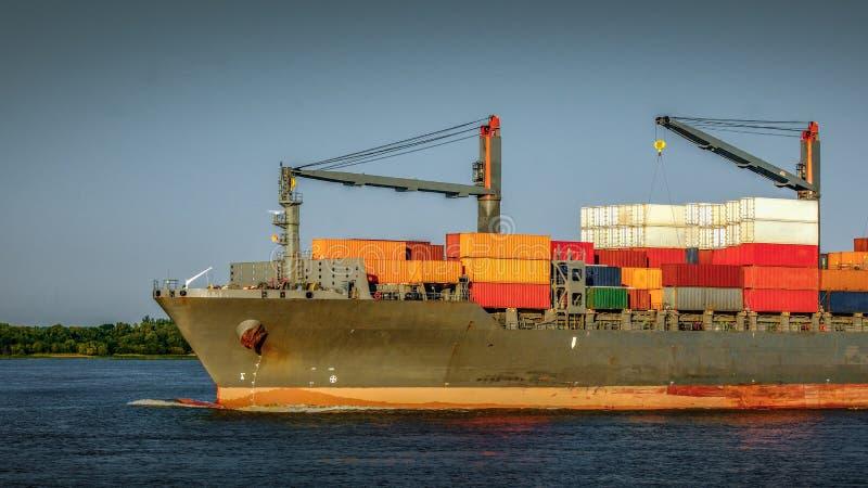 Cima di una nave porta-container fotografia stock