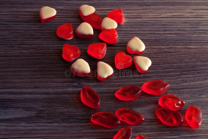 Cima sopra la fine di spese generali sulla foto di vista caramelle piacevoli adorabili sveglie adorabili dolci di yummu saporito  fotografie stock libere da diritti