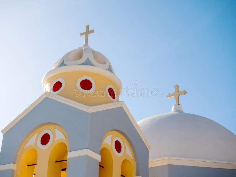 Cima tradizionale del tetto della chiesa immagine stock