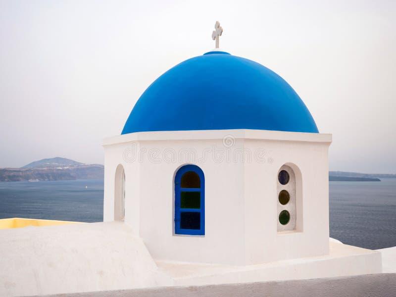Cima tradizionale del tetto della chiesa fotografia stock libera da diritti