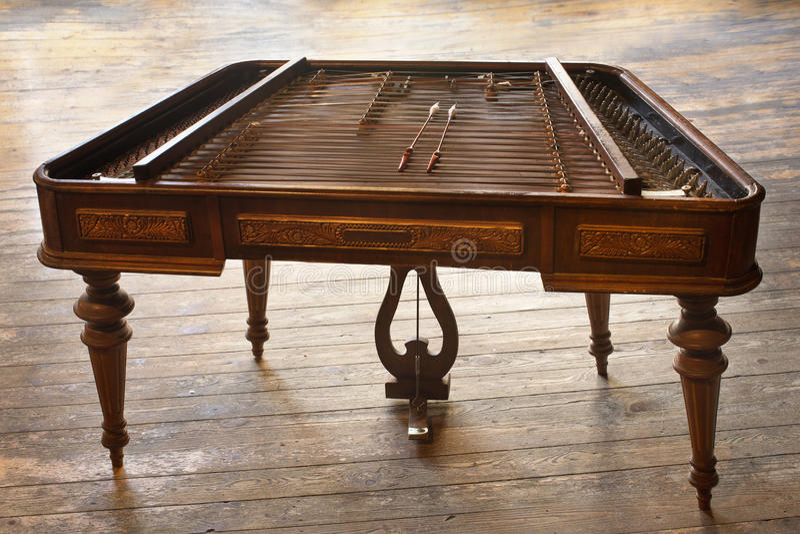 Cimbalom串乐器 免版税库存照片