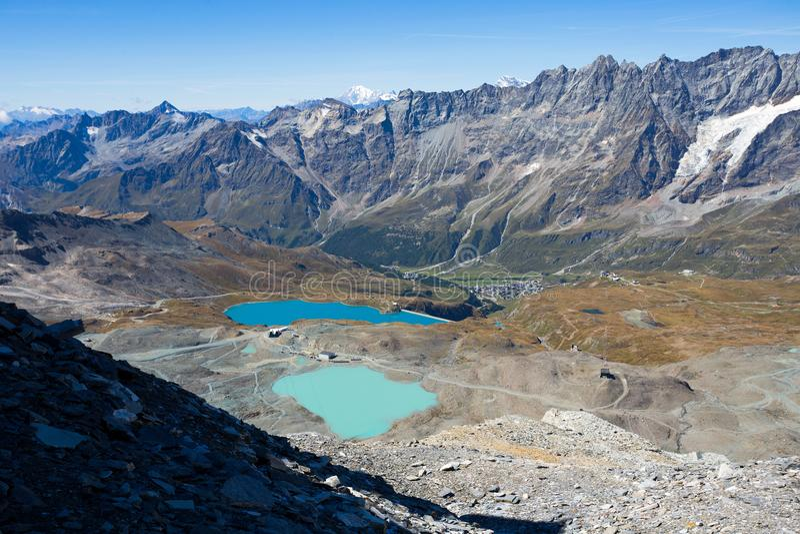 Cime Bianche Laghi som ses från platån Rosa, Cervino monteringsgrupp, Val D ` Aosta, Italien, fotografering för bildbyråer