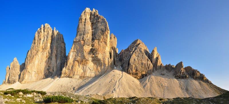 Download Cime di lavaredo tre 库存图片. 图片 包括有 土坎, 岩石, 芦荟, 晒裂, 高涨 - 22351579