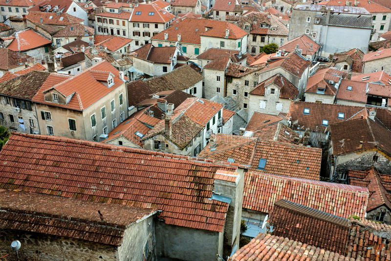 Cime urbane del tetto di vecchio insediamento immagini stock libere da diritti
